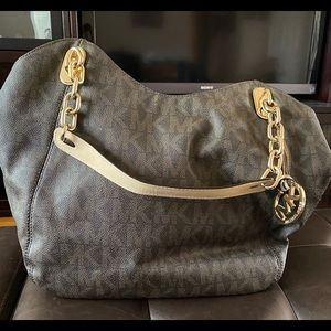 Michael Kors Large Bucket Bag.